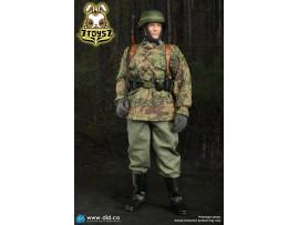 DID 1/6 D80142 20th Waffen Grenadier Div Radio Operator A: Dennis_ Box Set _DD106A