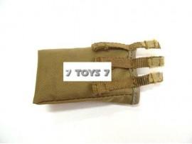 Hot Toys 1/6 USMC II MEF Tan Sp. Ver._ Dump magazine pouch _ HTX02B